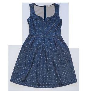 Dresses & Skirts - Polka Dot sweetheart dress